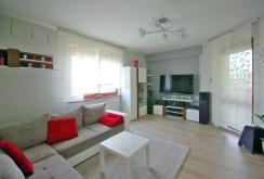 zdjęcie prezentuje salon w luksusowym apartamencie w okolicach Legnicy na sprzedaż