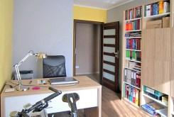 na zdjęciu gabinet w apartamencie na wynajem w Szczecinie