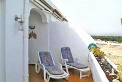 zdjęcie prezentuje luksusowy taras przy apartamencie w Hiszpanii do sprzedaży