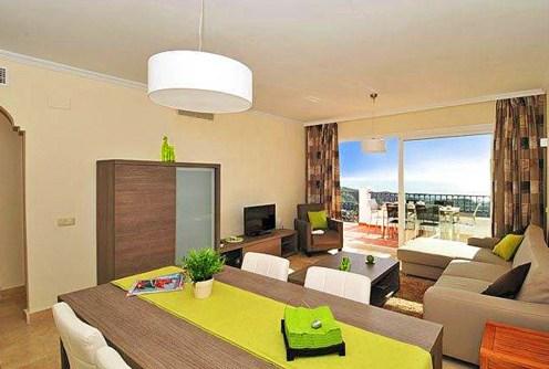 na zdjęciu ekskluzywne wnętrze luksusowego apartamentu do sprzedaży w Hiszpanii