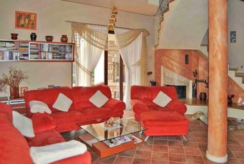 na zdjęciu ekskluzywne wnętrze luksusowej willi do sprzedaży w okolicy Częstochowy