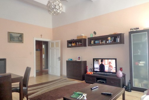 zdjęcie prezentuje salon w apartamencie do sprzedaży w Gorzowie Wielkopolskim