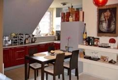 na zdjęciu ekskluzywny salon w luksusowym apartamencie do sprzedaży w Karpaczu