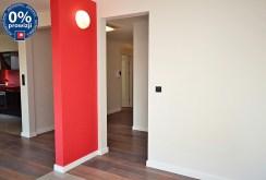 na zdjęciu widoczny rozkład pokoi i pomieszczeń z przedpokoju luksusowego apartamentu do sprzedaży w Radomiu
