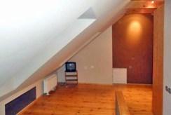 pomieszczenie na górnym poziomie apartamentu do wynajmu w okolicy Szczecina