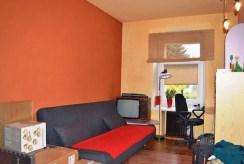 na zdjęciu jeden z luksusowym pokoi w apartamencie do sprzedaży w okolicy Wałbrzycha