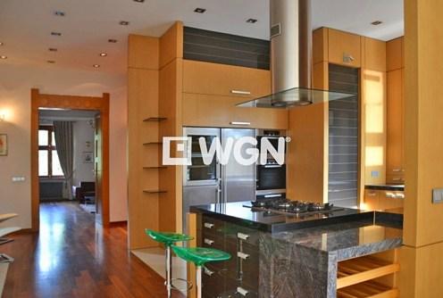 na zdjęciu komfortowe wnętrze luksusowego apartamentu do wynajęcia w Krakowie