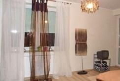 fragment salonu w prestiżowym apartamencie do wynajęcia w Toruniu