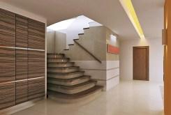 przedpokój i schody na górny poziom w luksusowej willi do sprzedaży w Inowrocławiu