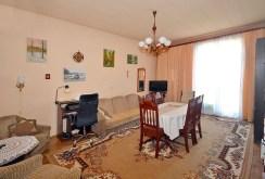 zdjęcie prezentuje salon w ekskluzywnym apartamencie do sprzedaży w Radomiu