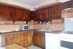 stylowa kuchnia w rustykalnym stylu znajdująca się w luksusowym apartamencie w Gorzowie Wielkopolskim na sprzedaż