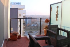 taras z pięknym widokiem na okolicę przy luksusowym apartamencie do sprzedaży w Katowicach