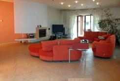 komfortowy salon w luksusowej willi do sprzedaży w Piotrkowie Trybunalskim