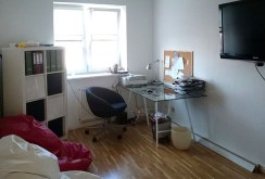 jeden z ekskluzywnie wyposażonych pokoi w luksusowym apartamencie w Szczecinie na wynajem