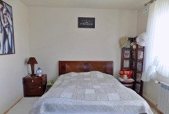intymna, elegancka sypialnia w luksusowym apartamencie w Ełku na sprzedaż