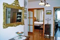 widok na elegancki przedpokój w luksusowym apartamencie do sprzedaży w Szczecinie