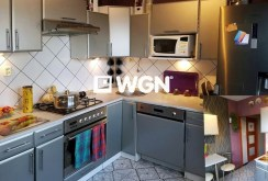 na zdjęciu luksusowa kuchnia w ekskluzywnym apartamencie do sprzedaży w okolicach Katowic