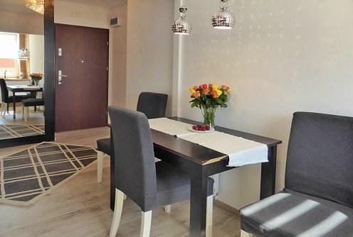 komfortowy salon w luksusowym apartamencie do sprzedaży w okolicach Kwidzyna