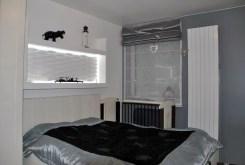 przytulna elegancka sypialnia w ekskluzywnej willi do sprzedaży w okolicach Warszawy