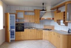 komfortowa kuchnia w luksusowej willi do wynajmu w okolicy Katowic