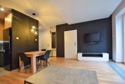 luksusowy salon w ekskluzywnym apartamencie do wynajmu w Białymstoku