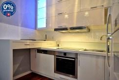 nowoczesna i komfortowa kuchnia w ekskluzywnym apartamencie w Katowicach na wynajem