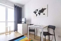 widok z innej perspektywy na ekskluzywny salon w luksusowym apartamencie w Białymstoku na sprzedaż