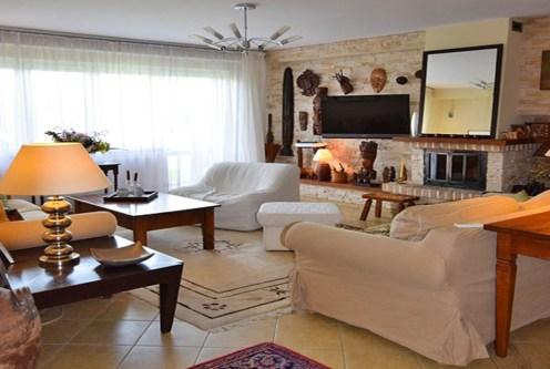 ekskluzywny salon w luksusowej willi do sprzedaży w okolicach Białegostoku