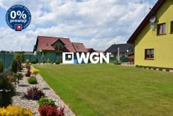 zagospodarowana, zadbana działka wokół luksusowej willi w okolicy Wrocławia na sprzedaż