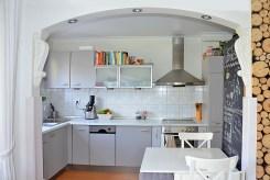 stylowa kuchnia w luksusowym apartamencie do sprzedaży w Szczecinie