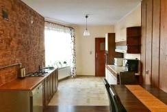 na zdjęciu aneks kuchenny w luksusowym apartamencie w Szczecinie na sprzedaż