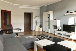 widok na fragment salonu w luksusowym apartamencie do sprzedaży w Szczecinie