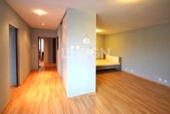 widok na przedpokój w luksusowym apartamencie do sprzedaży w Szczecinie