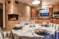 na zdjęciu ekskluzywna jadalnia w luksusowej willi w Szczecinie na sprzedaż