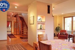 komfortowy salon w ekskluzywnej willi do sprzedaży w okolicach Szczecina