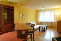 widok na salon luksusowego apartamentu do sprzedaży w Krakowie