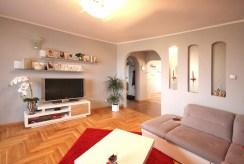 duże, przestronne wnętrze luksusowego apartamentu do sprzedaży w Szczecinie