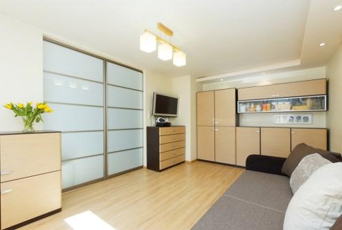 nowoczesny salon w ekskluzywnym apartamencie do sprzedaży w Tarnowie