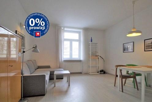 komfortowy salon w luksusowym apartamencie do wynajęcia w Krakowie
