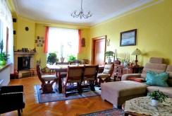stylowy salon w ekskluzywnej willi do sprzedaży w Dusznikach-Zdroju