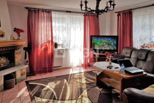 stylowy salon w ekskluzywnej willi do sprzedaży w Wiśle