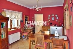 widok na salon w ekskluzywnej willi w okolicy Bolesławca na sprzedaż