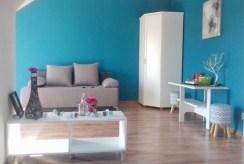 widok na salon w luksusowej willi do sprzedaży w okolicy Leszna