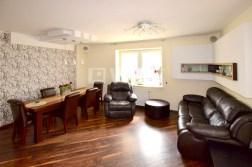 luksusowy salon w ekskluzywnym apartamencie do sprzedaży w Białymstoku