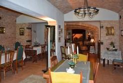 widok na komfortowe wnętrze luksusowej willi do sprzedaży w okolicach Słupska