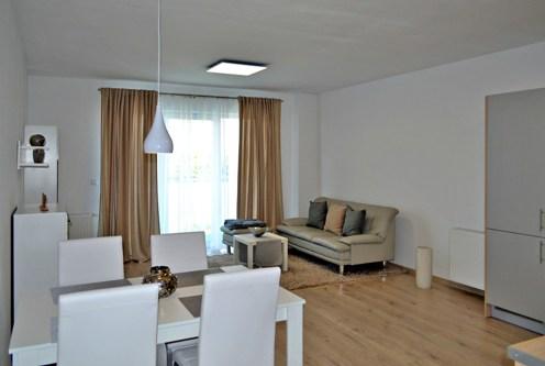 fragment komfortowego salonu w ekskluzywnym apartamencie do wynajęcia w Bolesławcu