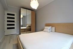 wytworna, zaciszna sypialnia w luksusowym apartamencie w Krakowie na wynajem