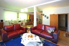 fragment salonu w luksusowej willi do wynajmu w okolicach Szczecina