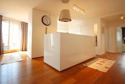 przestronne wnętrze luksusowego apartamentu w Szczecinie na wynajem