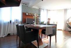 jadalnia w stylu klasycznym w ekskluzywnym apartamencie do sprzedaży w Szczecinie